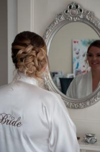 bruidskapsel opgestoken met knot